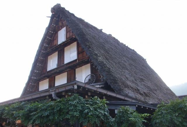 2. 전통적인 취락 지대. 그 경치에 매료되는 '시라카와고 갓쇼즈쿠리 마을'