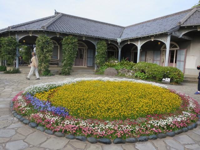 7. 아름다운 꽃들에 둘러싸여 산책을「그라바엔」